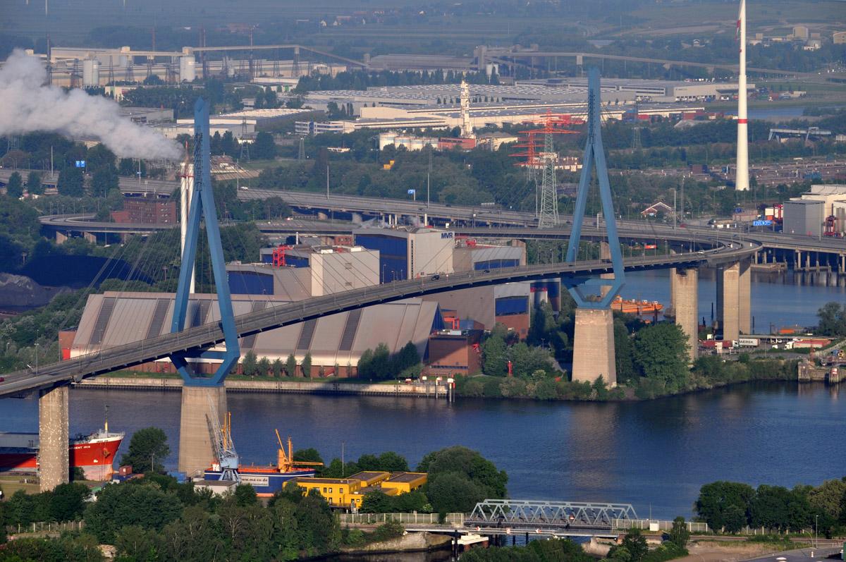 Die Köhlbrandbrücke – für die Hamburger ein Wahrzeichen. Es gibt sicherlich längere Brücken – aber auch deutlich hässlichere.